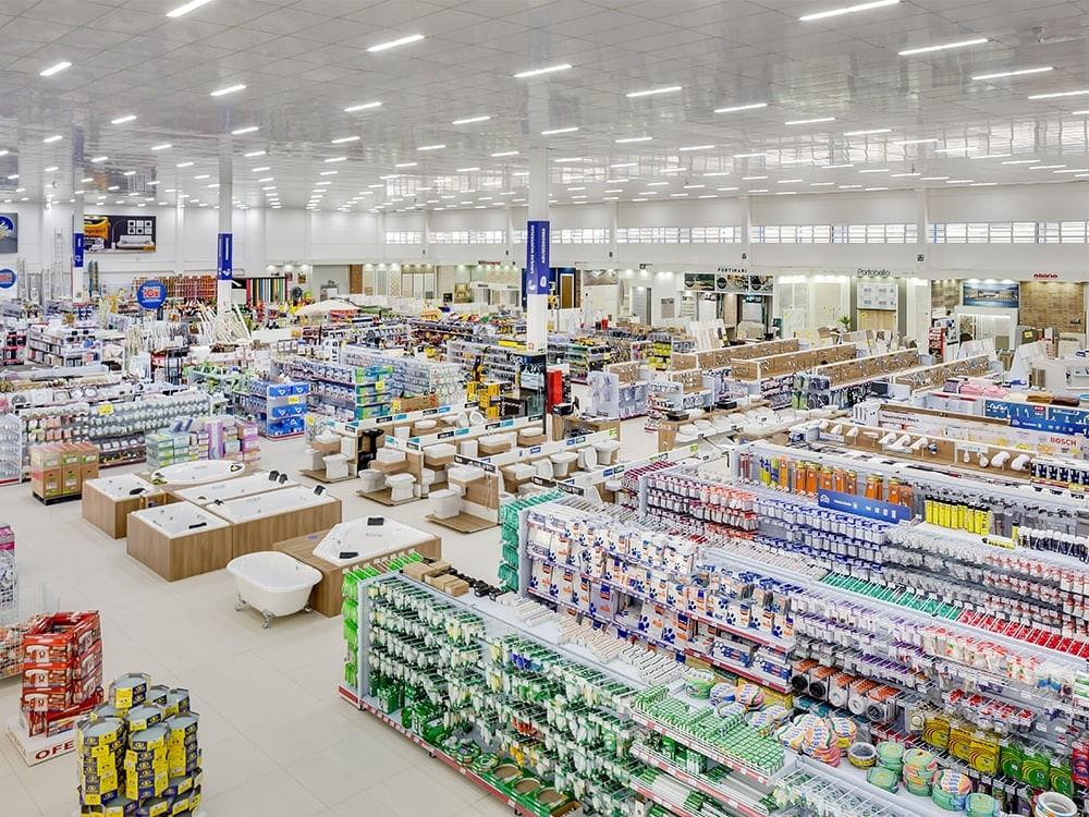 Foto da área interna de uma das lojas Nichele